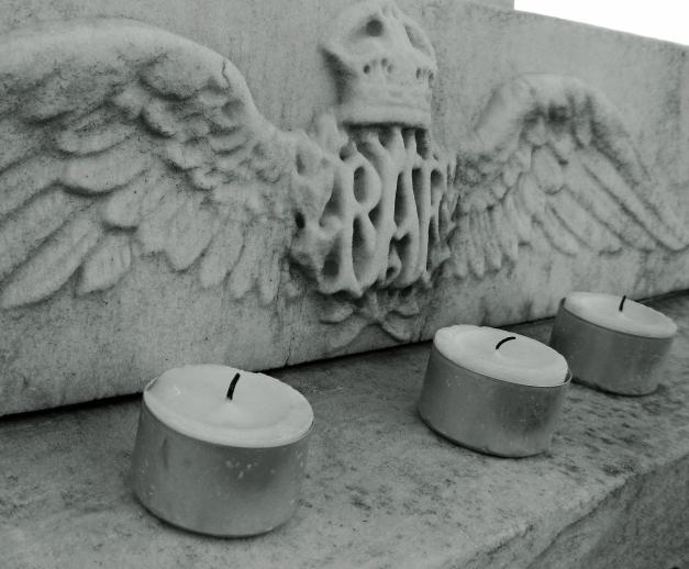 RAF-Three Candles-Crop